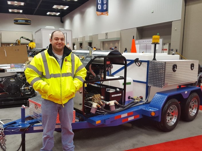 Jerry from Chicago picks up his new HotJet 2 at the WWETT SHOW 2017
